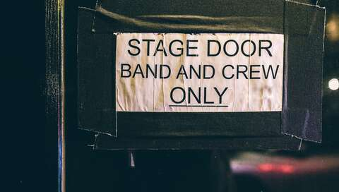 stage door band & crew only | © seabass creatives on Unsplash